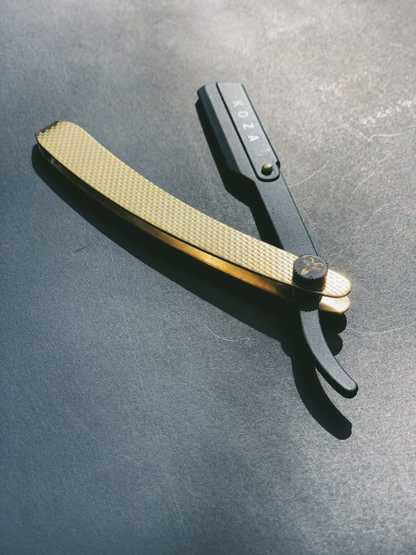 steel straight razor